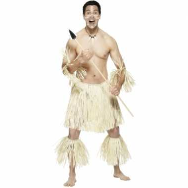 Rieten hawaiikostuum mannen